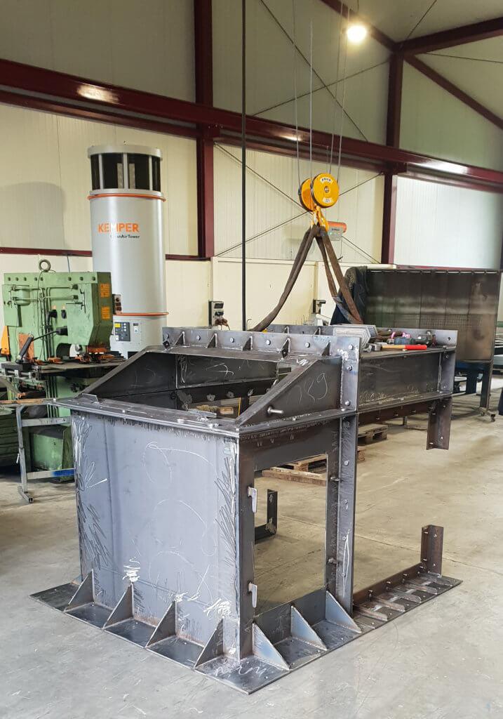 Herstellung eines Förderbandabwurfes in unserer Werkstatt